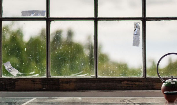 how to clean the window glass